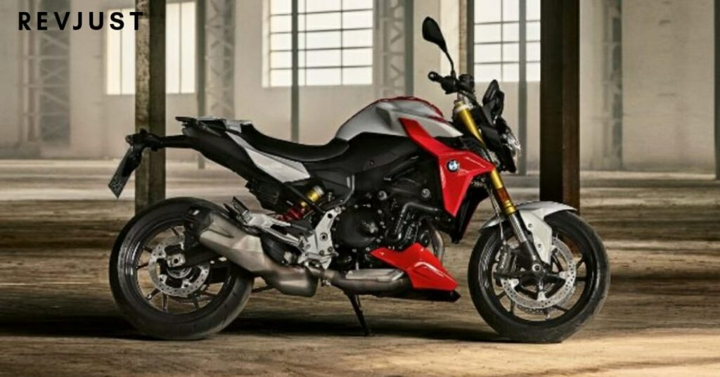 BMW F900R launched in India, May 2020 price with full specifications.