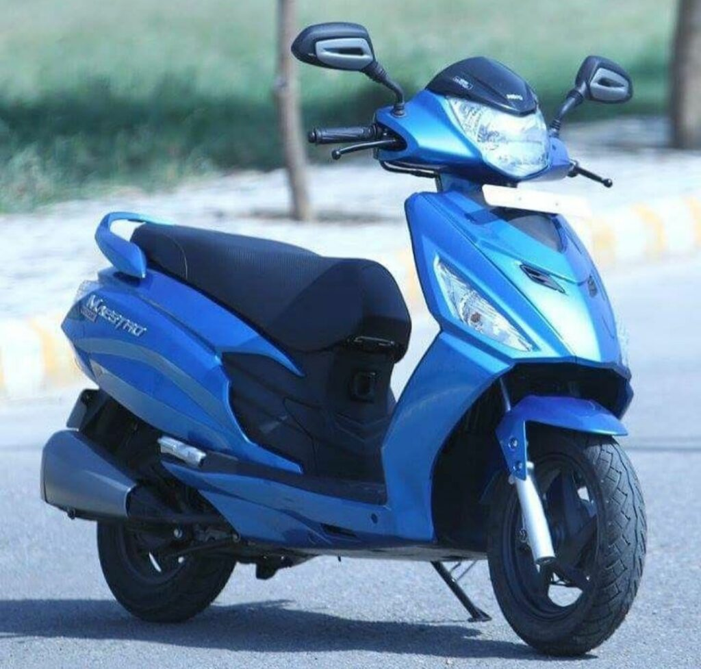 Hero Motocorp gifted 100 Scooters to Lady officers of UP police