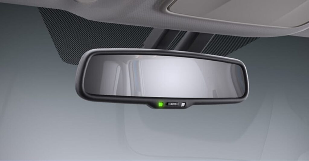 Toyota Urban Cruiser electrochromic rearview mirror